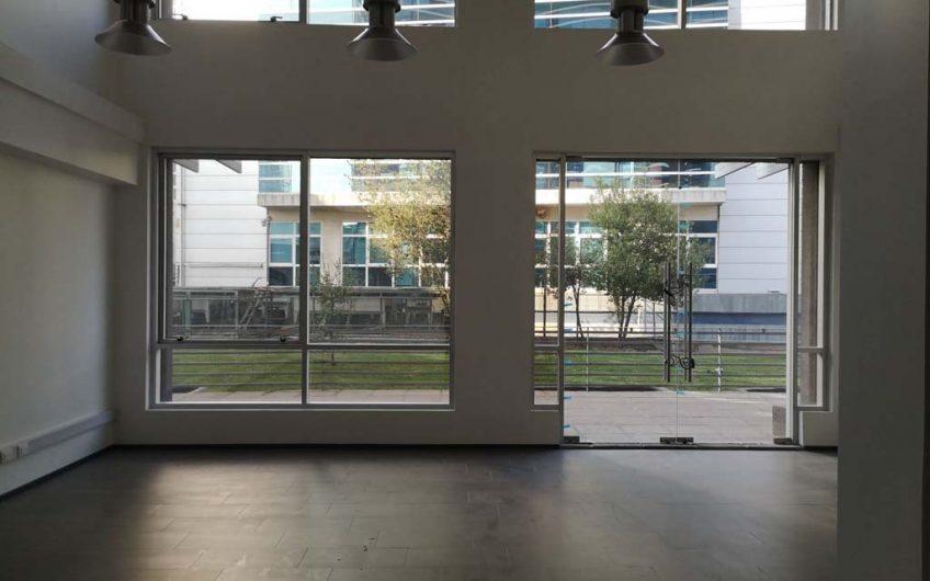 Local comercial 60 m2 | Ciudad Empresarial | Santiago