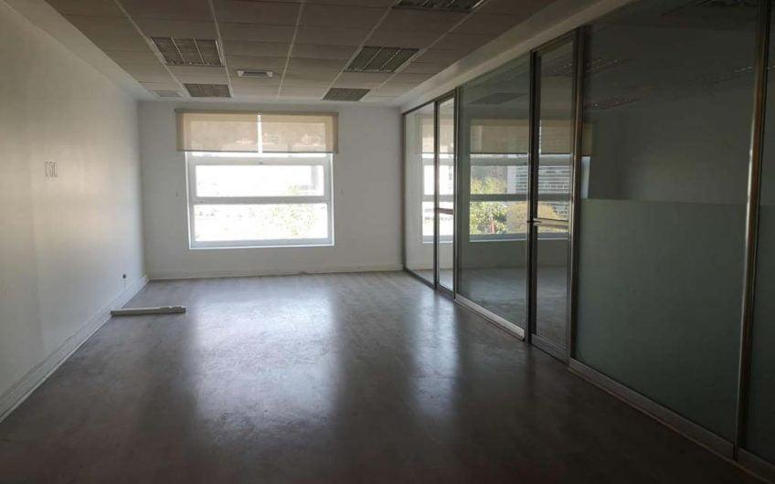 Se Arrienda Oficina 112 m2 | Ciudad Empresarial | Santiago